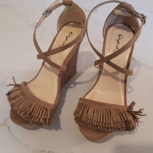 Qupid nude suede strappy wedge sandal Size 6